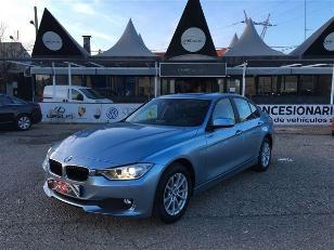 Foto BMW Serie 3 318d 105kW (143CV)