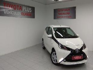 Foto Toyota Aygo 1.0 VVT-i x-play 51 kW (69 CV)
