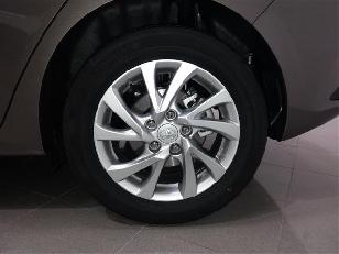 Foto 2 de Toyota Auris 120T Active 85 kW (116 CV)