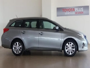 Foto 3 de Toyota Auris 2.0 120D Touring Sports Active 91 kW (124 CV)