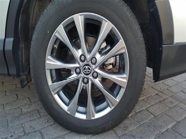 Foto 11 Toyota Rav4 2.5l hybrid 2WD Advance 145 kW (197 CV)