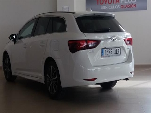 Foto 4 de Toyota Avensis 150D Touring Sports Advance 105 kW (143 CV)