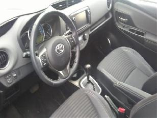 Foto 2 de Toyota Yaris 1.5 Hybrid Advance 74kW (100CV)