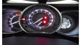 Foto 1 de Citroen DS3 Cabrio 1.6 e-HDI Style ETG6 68 kW (92 CV)