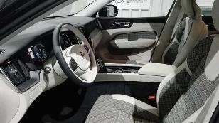 Foto 3 de Volvo XC60 D4 AWD Momentum Aut. 140 kW (190 CV)