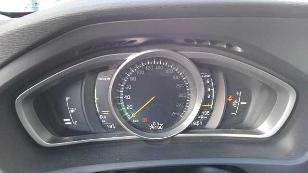 Foto 4 de Volvo V40 Cross Country 2.0 D3 Momentum 110 kW (150 CV)