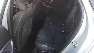Foto 4 de Volvo V40 D3 Momentum Auto 110 kW (150 CV)