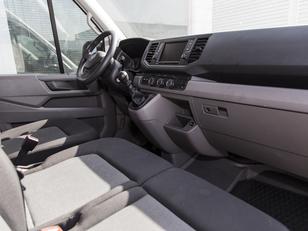 Foto 3 de Volkswagen Crafter 2.0 TDI Furgon 35 BM TA L3H3 103 kW (140 CV)