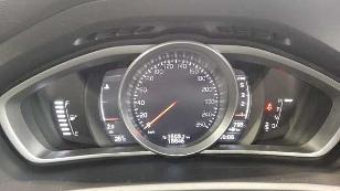 Foto 3 de Volvo V40 D3 Momentum Auto 110 kW (150 CV)