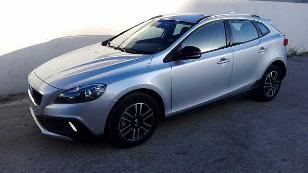 Foto 1 de Volvo V40 Cross Country D3 Momentum 110kW (150CV)