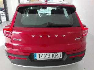 Foto 4 de Volvo XC40 2.0 D4 Momentum Auto AWD 140 kW (190 CV)