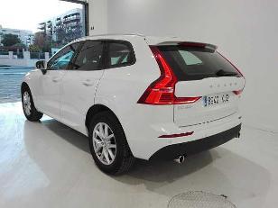 Foto 4 de Volvo XC60 2.0 D4 Momentum AWD Aut. 140 kW (190 CV)