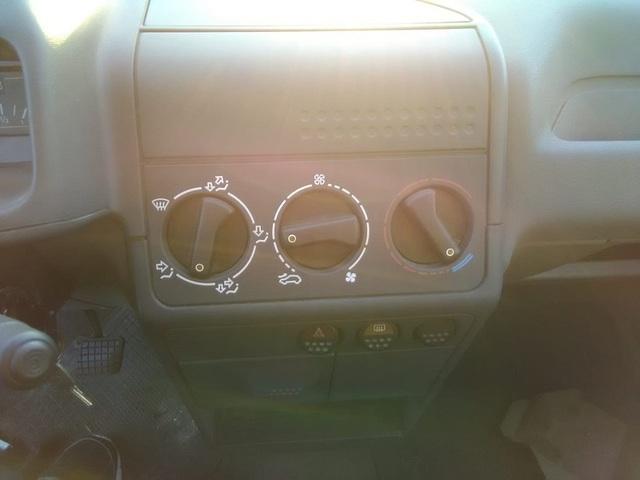 Foto 8 PEUGEOT 205 1.1 GL 40 kW (55 CV)