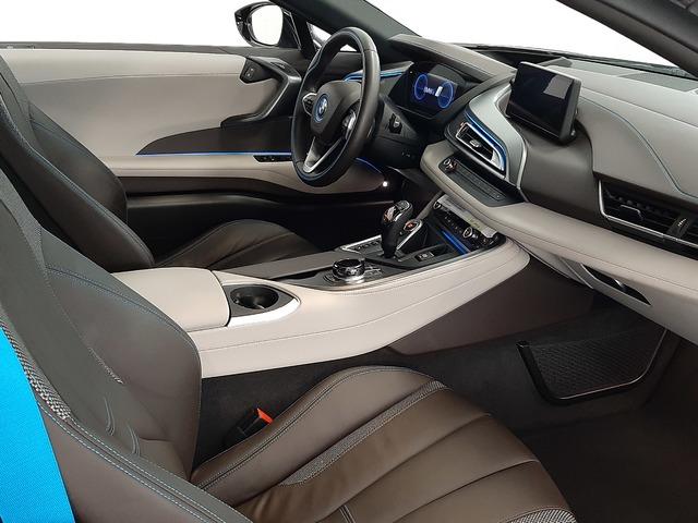 fotoG 15 del BMW i8 Coupe 275 kW (374 CV) 374cv Híbrido Electro/Gasolina del 2018 en Valencia