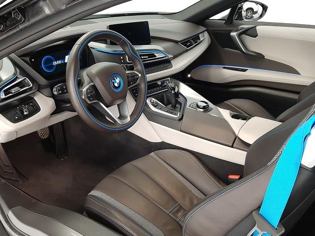 fotoG 16 del BMW i8 Coupe 275 kW (374 CV) 374cv Híbrido Electro/Gasolina del 2018 en Valencia