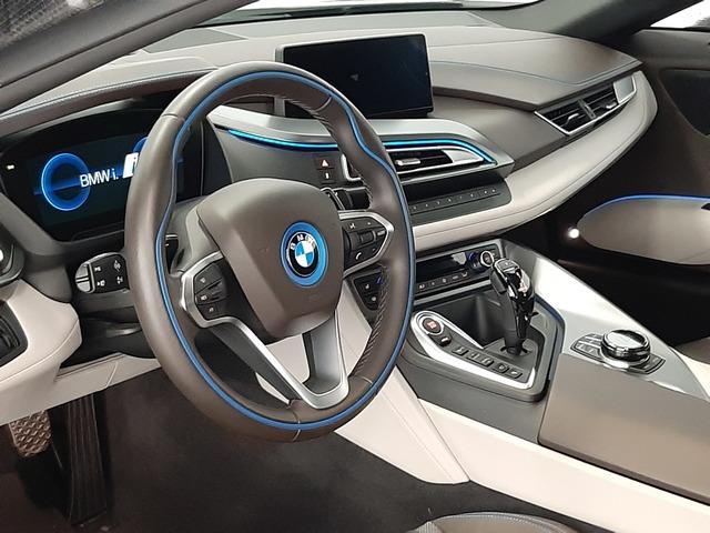 fotoG 18 del BMW i8 Coupe 275 kW (374 CV) 374cv Híbrido Electro/Gasolina del 2018 en Valencia