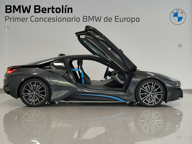 fotoG 42 del BMW i8 Coupe 275 kW (374 CV) 374cv Híbrido Electro/Gasolina del 2018 en Valencia