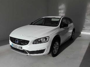 Foto 1 de Volvo V60 Cross Country 2.0 D3 Kinetic 110kW (150CV)