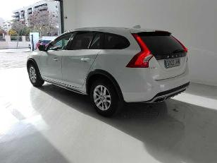 Foto 3 de Volvo V60 Cross Country 2.0 D3 Kinetic 110kW (150CV)