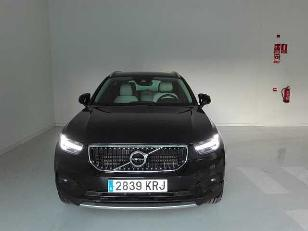 Foto 1 de Volvo XC40 2.0 D4 Momentum Auto AWD 140 kW (190 CV)
