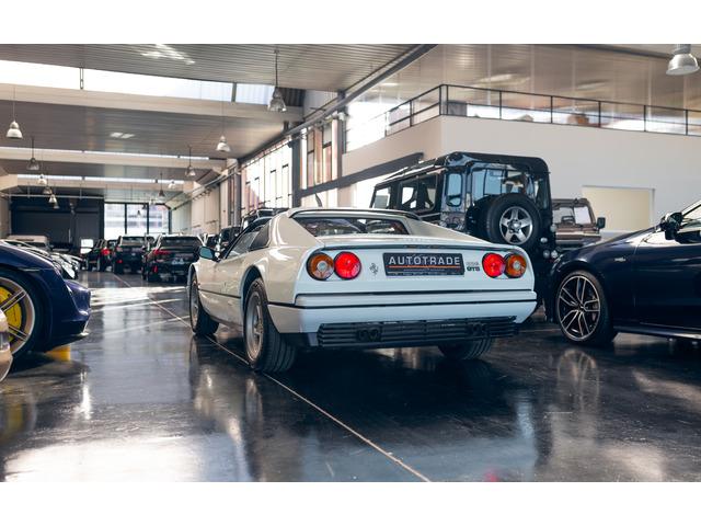 Ferrari 328 GTS 199 kW (270 CV)