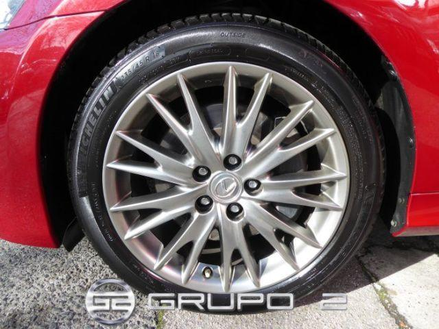 Foto 10 Lexus GS 300h Executive 164 kW (223 CV)