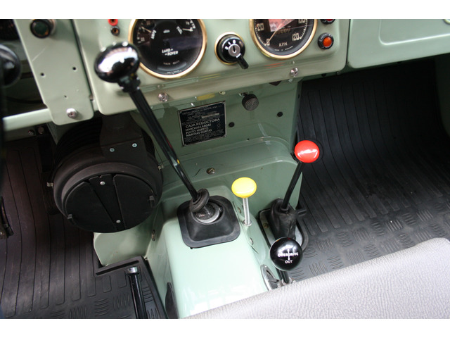 Land Rover Santana 88 Cabrio 60 kW (81 CV )