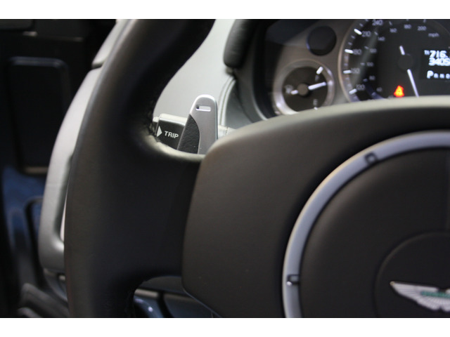 Aston Martin DB9 5.9 Coupé Touchtronic 2 350 kW (476 CV)