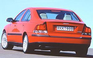 Volvo S60 2.4 103 kW (140 CV) de ocasion en Barcelona