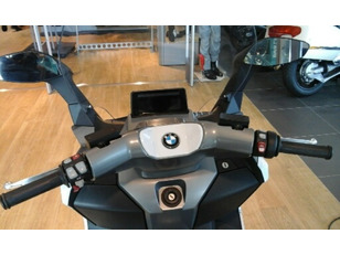 Foto 2 de BMW Motorrad EVOLUTION 60CV